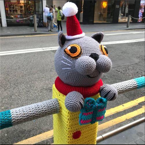 Kitty is ready for the Xmas season!
