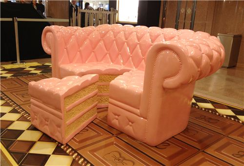 Super funny idea: a strawberry cake sofa