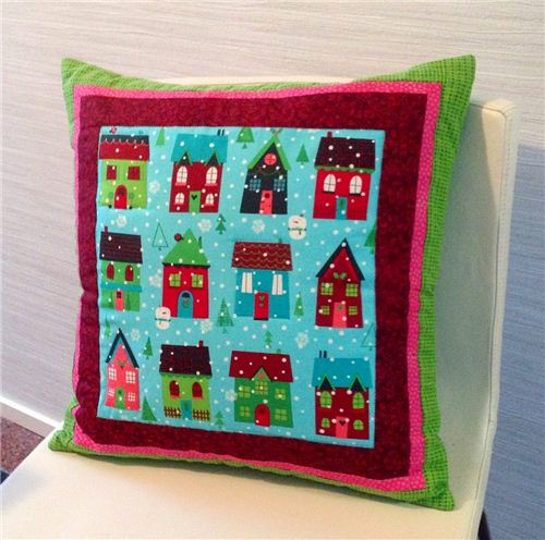A wonderful Christmas pillow made by the Finnish Blog Hilduli