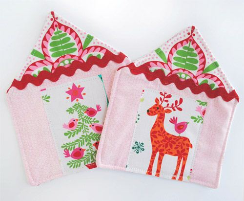 The American Zakka Life Blog created wonderful Christmas mug rugs from our fabrics
