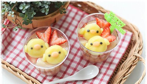 You can almost feel how fresh this cute Kiiroitori chick rice desert tastes.
