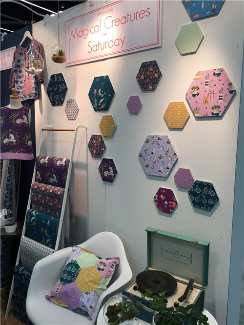 Monaluna's booth display