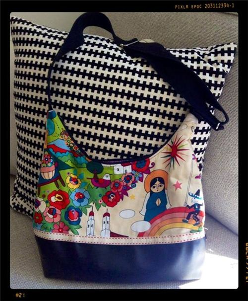 Anja from Germany sewed this beautiful bag with our Mexican folklore fabric