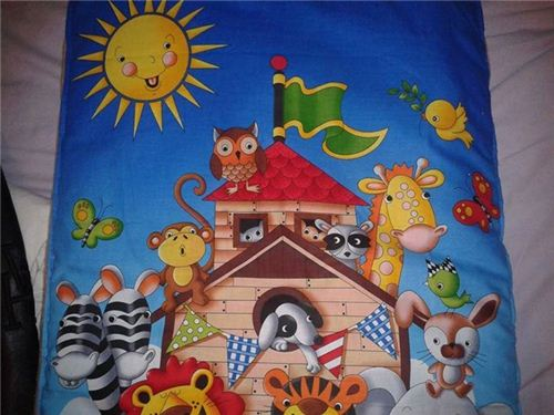 Valérie Verdalle from France made funny bed linen with our cute Noahs Ark panel fabric